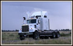 New 509 heads north (quarterdeck888) Tags: trucks kenworth c509 c508 truckphotos worldtruck jerilderietruckphotos jerilderietrucks