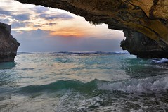 Uluwatu Cave (Clearvisions) Tags: sea bali indonesia special andromeda invitation only uluwatu about 50 ssacadamy