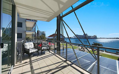 E101/3A Honeysuckle Drive, Newcastle NSW