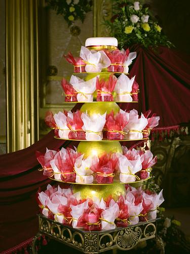 4839889763 a2e3f9e4a8 Wedding Cupcakes Red White Gold
