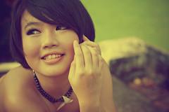 [フリー画像] 人物, 女性, アジア女性, ショートヘア, シンガポール人, 201008010900