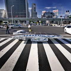 Nuna5 in Japan (Vattenfall Solar Team) Tags: japan osaka suzuka midosuji hanspeter nuna vanvelthoven zonneenergie zonnewagen dreamcup