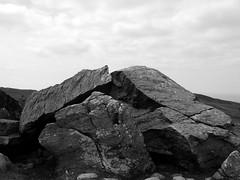 Maen Amor (Roj) Tags: blackandwhite bw mountain monochrome mono hdr conwy northwales g9 conwymountain cefnmaenamor maenamor