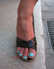 feet shots 034 (fcfoto1) Tags: girls feet girl foot high shoes toes barefoot heels barefeet amateur fsse turkish zehen fse footshooting