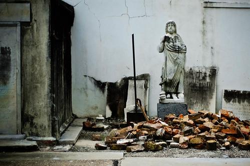 Prophet Among Ruins