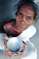 India (West Bengal) - Old woman begging (streetcorner) Tags: poverty charity old portrait woman india indian bowl beggar alm widow saree sari inde westbengal vieillesse veuve hardship mendiant charite pauvrete passionphotography anawesomeshot earthasia