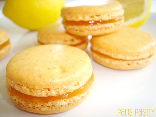 Lemon Macarons with Lemon Curd