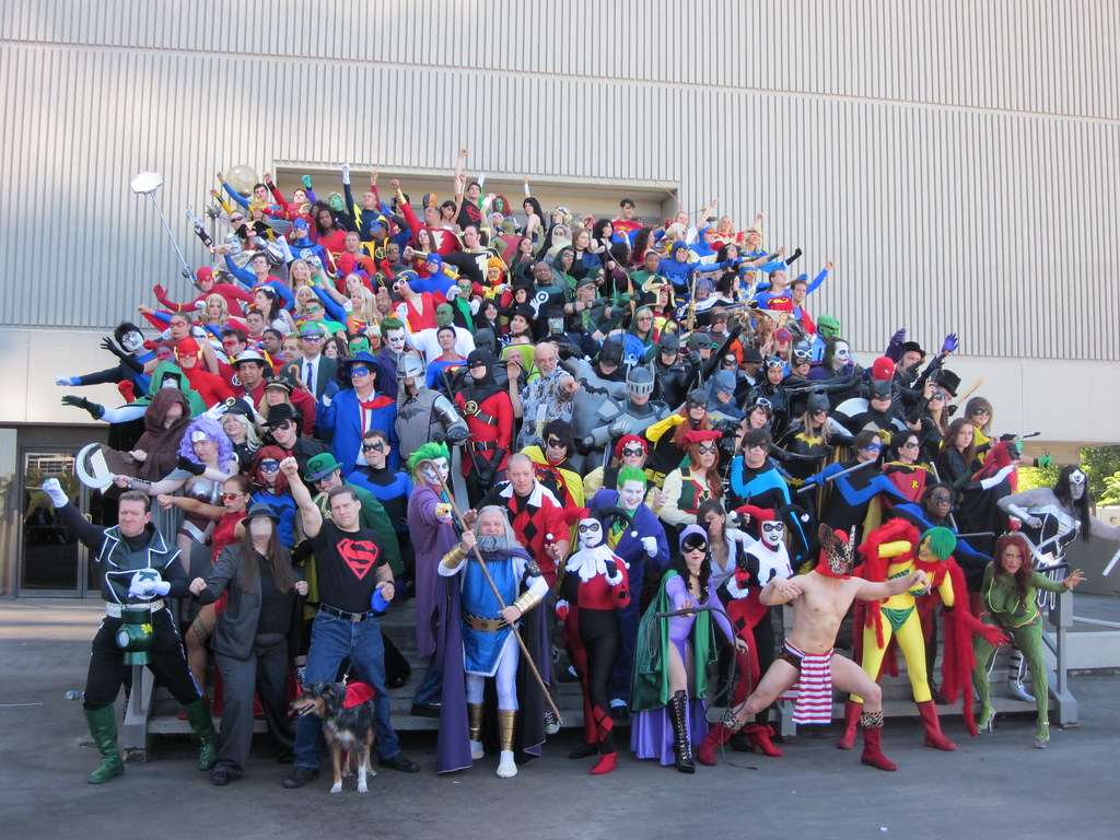 DC Comics Photo Shoot with George Perez at DragonCon 2010
