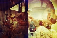 infancia MX (David Martnez galera fotogrfica) Tags: film de kid lomo lomography cole mini nia nostalgia burn diana colegio multiple infancia nio mx carrete multi kindergarden peques infancy exposicin lomografia quemado escala rojos redscale colindres