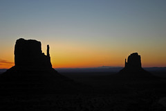 The Rising Sun (Peter Fletcher) Tags: monumentvalley