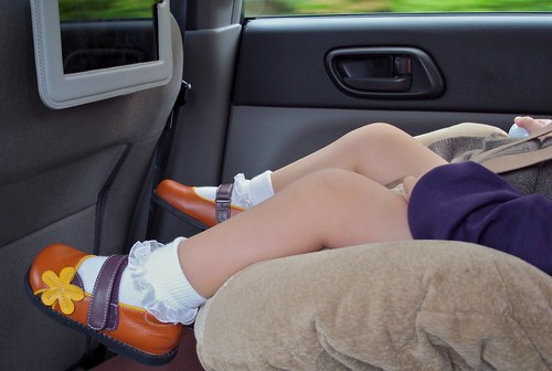 how to entertain my kids in the car