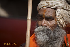 holy man (Kumbh Mela, Haridwar, 2010) (Erberto Zani / Photographer) Tags: portrait italy india religion ritratto 2010 reportage holyman photojournalist haridwar religione kumbhmela fotogiornalista uomosanto wwwerbertozanicom