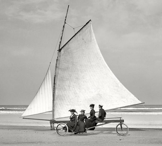 beach sailing