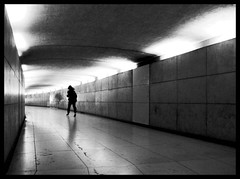 down under (leuntje) Tags: bw paris france underpass explore frankrijk pedestriantunnel arcdetriomphe parijs placecharlesdegaulle placedetoile