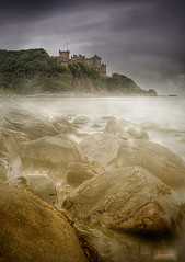 Culzean Castle (BoboftheGlen) Tags: sea castle beach bay scotland rocks flag spray ayr maidenhead ayrshire culzean croy the4elements