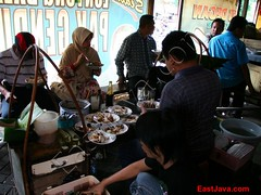 Lontong Balap Garuda Kranggan (eastjava.com) Tags: tofu bean shellfish soy sprouts jawa surabaya timur tauge petis tahu lento eastjava kecap kranggan lontongbalap satekerang