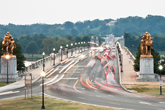 Memorial Bridge Traffic (ep_jhu) Tags: street longexposure bridge light motion cars statue arlington puente lights luces virginia daylight washingtondc dc calle traffic statues carros dcist lighttrails memorialbridge ispy alphabetgame