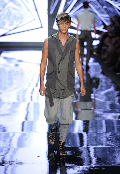 Robbie Wadge3433_SS11_NY CONCEPT KOREA(new york models Blog)