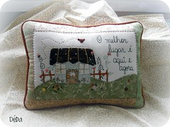 Ufa!!! (Deda Wickert) Tags: stitch embroidery pillow patch almofada frase aplicao passarinhos patchworkpicnik frasebordada