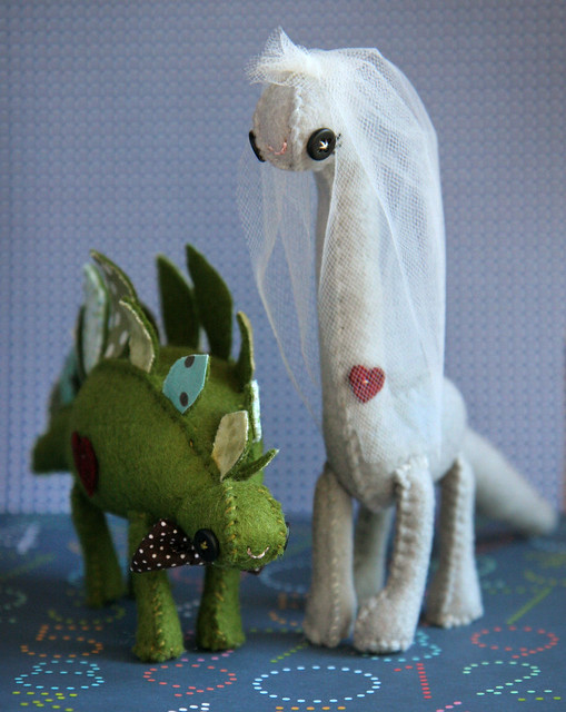 Custom Wedding Cake Dinos