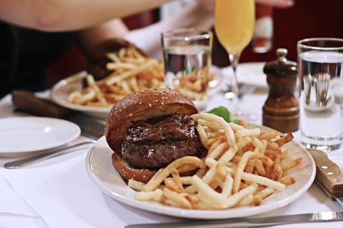 minetta burger copy