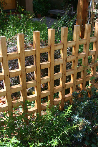 grid fence detail