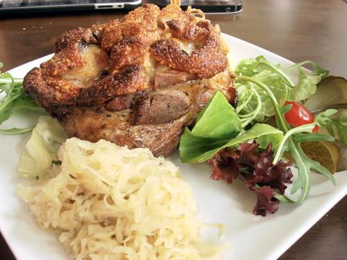 Brotzeit Mid valley - pork knuckle 2