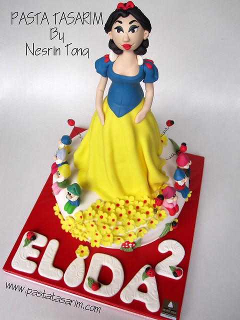 THE SNOWWHITE CAKE- ELIDA 2ND BIRTHDAY