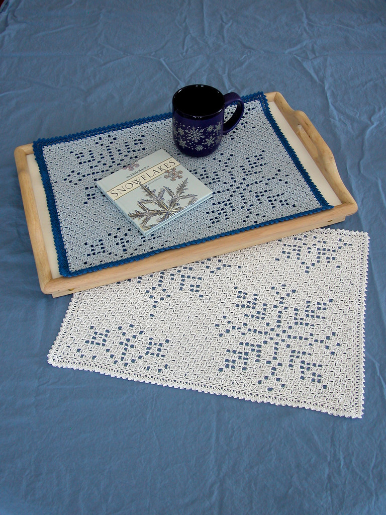 Falling Snow Placemats