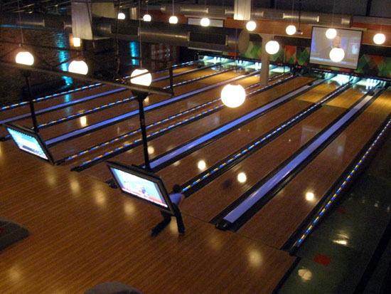 20101007-bowling-above