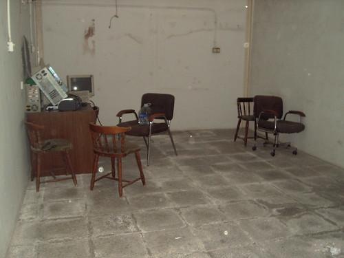 con almacén y dos baños. En su inmobiliaria Asegil en Benidorm le ayudaremos sin compromiso. www.inmobiliariabenidorm.com