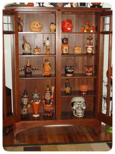 Kevin-Collection-curio-cabinet