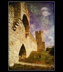 Visby city walls (texturedJohn) Tags: sweden gotland visby magicunicornverybest selectbestexcellence magicunicornmasterpiece sbfmasterpiece magiayfotografia