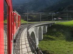 XXXX Reise durch die Schweiz : Zug mit MGB Matterhorn Gotthard Bahn Gepcktriebwagen Deh 4/4 II Nr. 95 ( Triebwagen - Baujahr 1984 ) mit Taufname Andermatt ( Ehemals FO Furka - Oberalp -  Bahn ) unterwegs vor A.ndermatt im Kanton Uri in der Schweiz (chrchr_75) Tags: mountains alps nature train de landscape tren schweiz switzerland suisse swiss natur pass eisenbahn railway zug berge locomotive matterhorn alpen christoph svizzera bahn landschaft treno chemin centralstation uri fer locomotora tog juna mgb 1010 lokomotive lok ferrovia andermatt oberalp bergbahn spoorweg gotthard oberalppass suissa locomotiva lokomotiv ferroviaria  locomotief kanton chrigu  rautatie  zoug trainen kantonuri  chrchr hurni chrchr75 bergstrecke chriguhurni albumbahnenderschweiz albummgbmatterhorngotthardbahn
