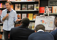 Chris Guillebeau stops by Barnes & Noble, Wash...