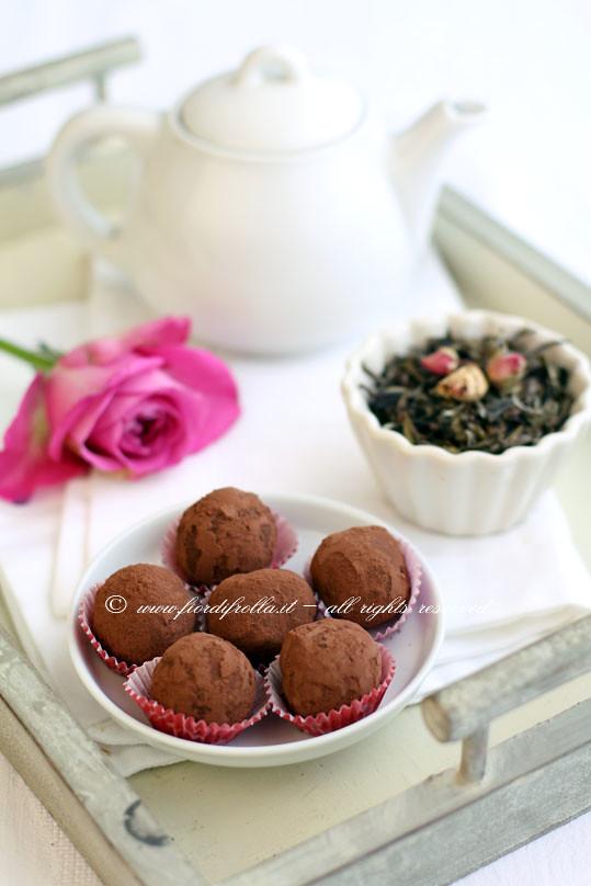 Tartufi di cioccolato al tè bianco Hanai