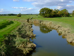Downs-link crosses the river Adur south of Henfield.