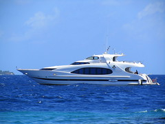 Arumaazu (╚ DD╔) Tags: yacht president maldives maumoon nasheed arumaaz superyachtes gulfcraftinternationalboatshow2010
