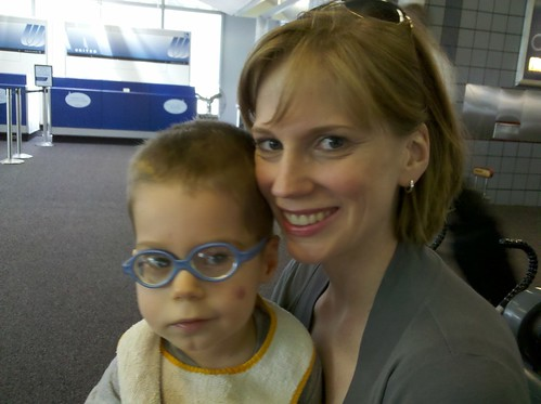20100820-airport-with-Mom