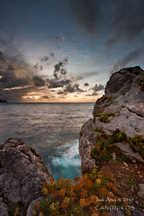 Otoo en el acantilado / Autumn in the cliff (saki_axat) Tags: sunset sea sky cliff seascape water clouds canon rocks filters bakio 50d gnd8 atxulo