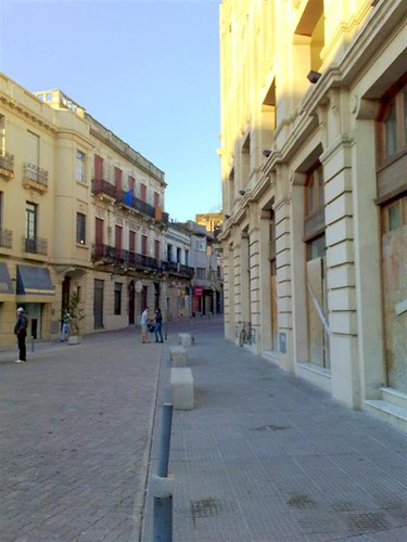 Ciudad Vieja, em frente ao Mercado do Porto.