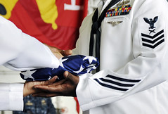 9/11 Ceremony (US Navy) Tags: uniform flag military 911 ceremony sailors american militar bandera usnavy september11th uniforme unitedstatesnavy marineros