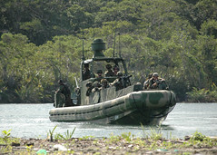 Preparing to Storm the Beach (US Navy) Tags: beach boat barco military playa militar panama usnavy unitedstatesnavy nutica specialwarfare