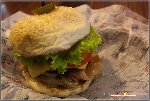 Crave Ultimate Burger (P175)