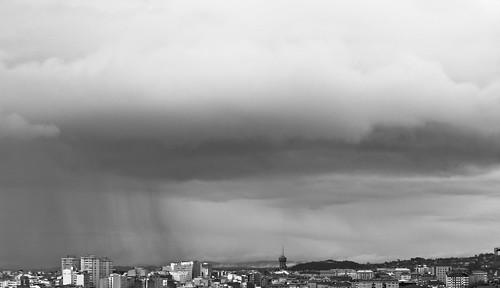 Nubes en blanco y negro