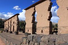 Raqchi: Templo de Wiracocha (zug55) Tags: peru inca ruins perú inka adobe ruinas templo precolumbian raqchi viracocha precolombino wiracocha templodewiracocha templodeviracocha templeofwiracocha