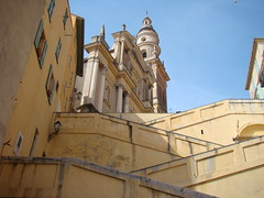 Menton (France) : City of the lemon, the color and the fruit, ville du citron, couleur et fruit. (Histgeo) Tags: sun church soleil lemon kirche ctedazur sonne glise citron menton mditerrane frenchriviera zitrone mittelmeer themediterraneansea franzsischeriviera histgeo