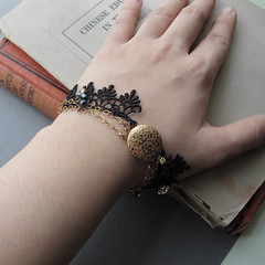Cinematic - vintage lace bracelet