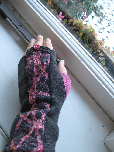 fingerless gloves by Iva
