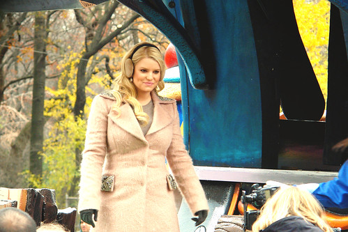 jessica simpson - macy's parade morton's float